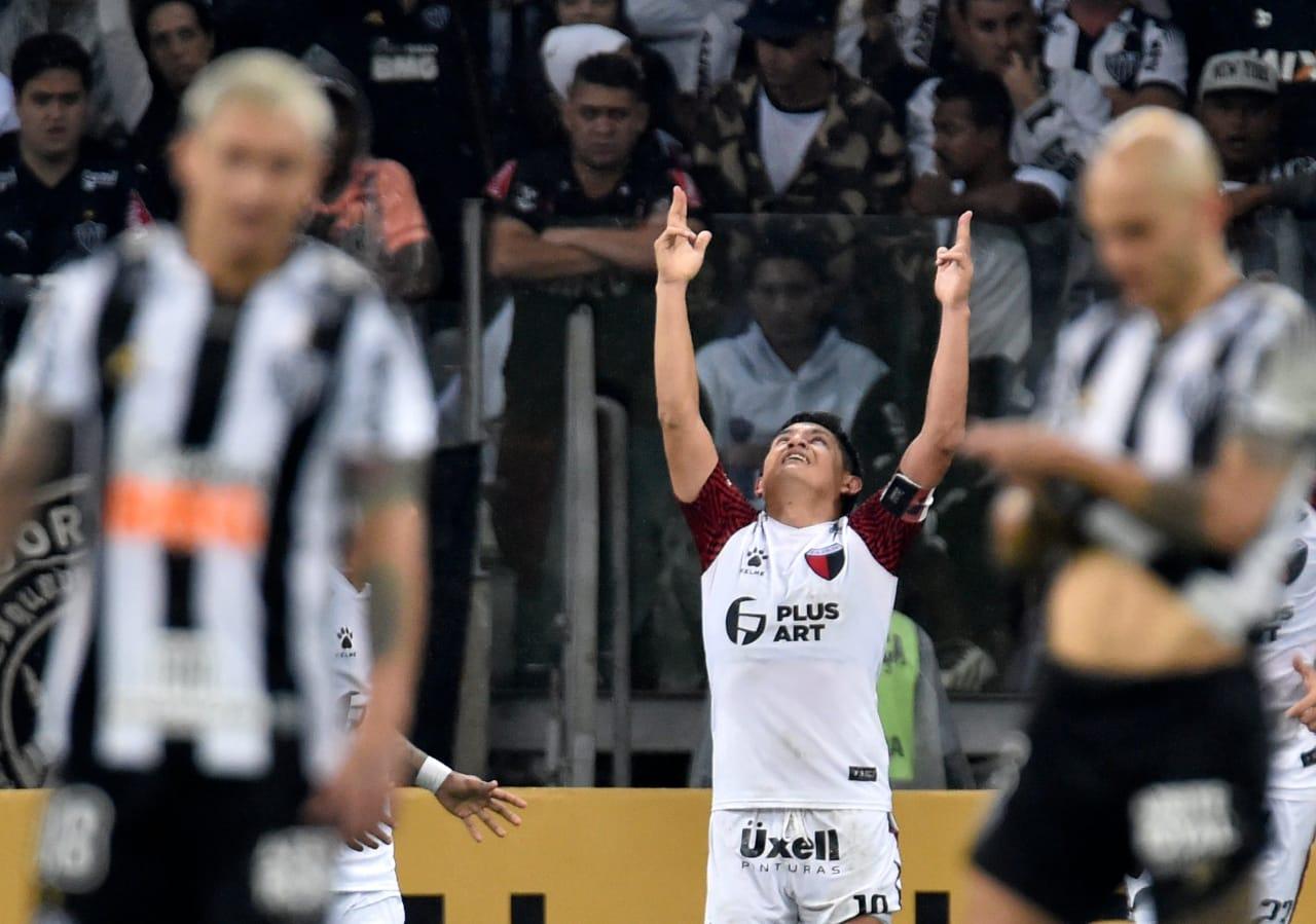 Colón venció al Mineiro en los penales y es finalista