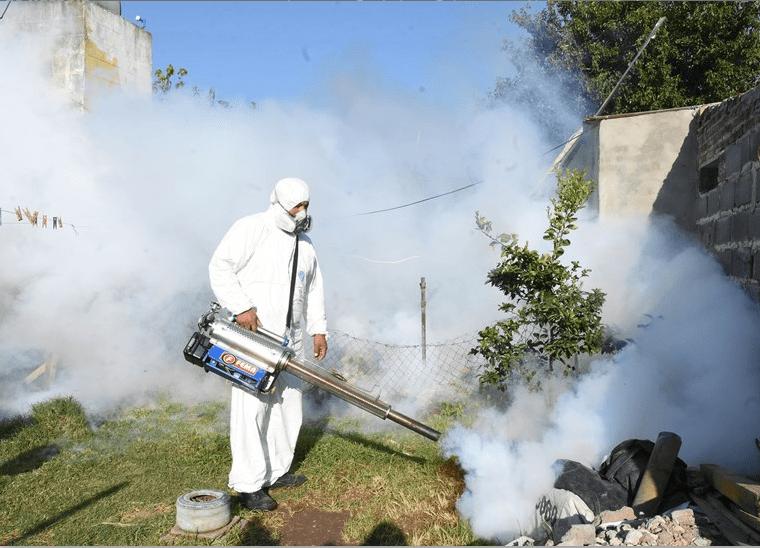Realizaron más fumigaciones y descacharrización para combatir el dengue -  Sin Mordaza